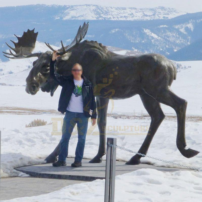 Outdoor Garden Decorative Deer Statues Cast Metal Bronze Deer Sculpture