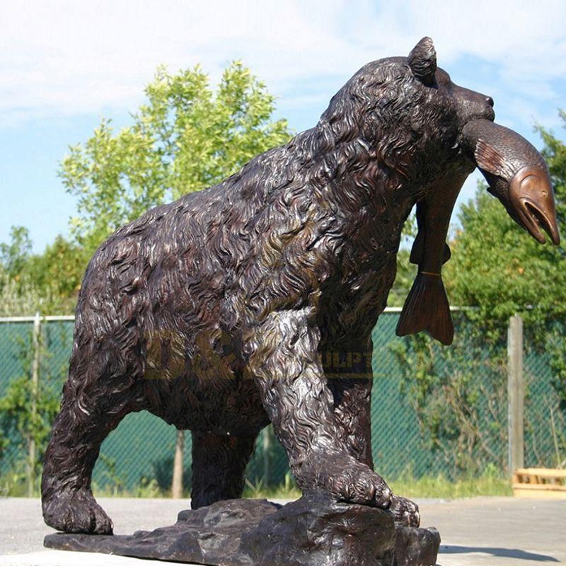 Popular Outdoor Garden Decor Life Size Bronze Bear Statue Fish Sculpture