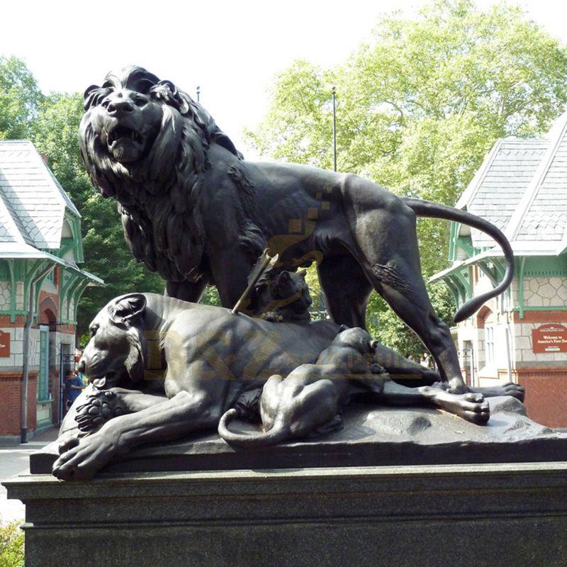 Outdoors Large Bronze Metal Injured Lion Sculpture