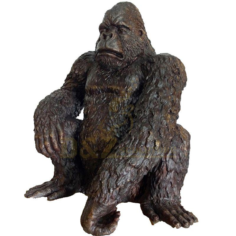 Life Size animal bronze gorilla Sculpture for Decoration