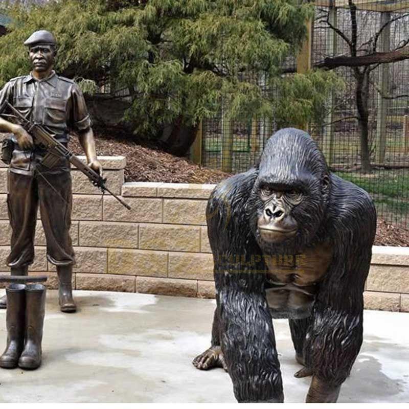 Classic Designs Outdoor Decorative Life Size Bronze Gorilla Sculpture