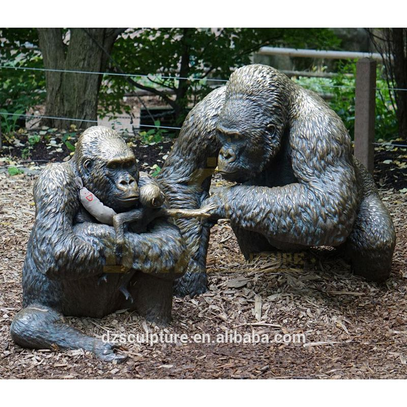China Manufacture Directly Supplied Garden Decoration Animal Sculpture Bronze Gorilla Sculpture