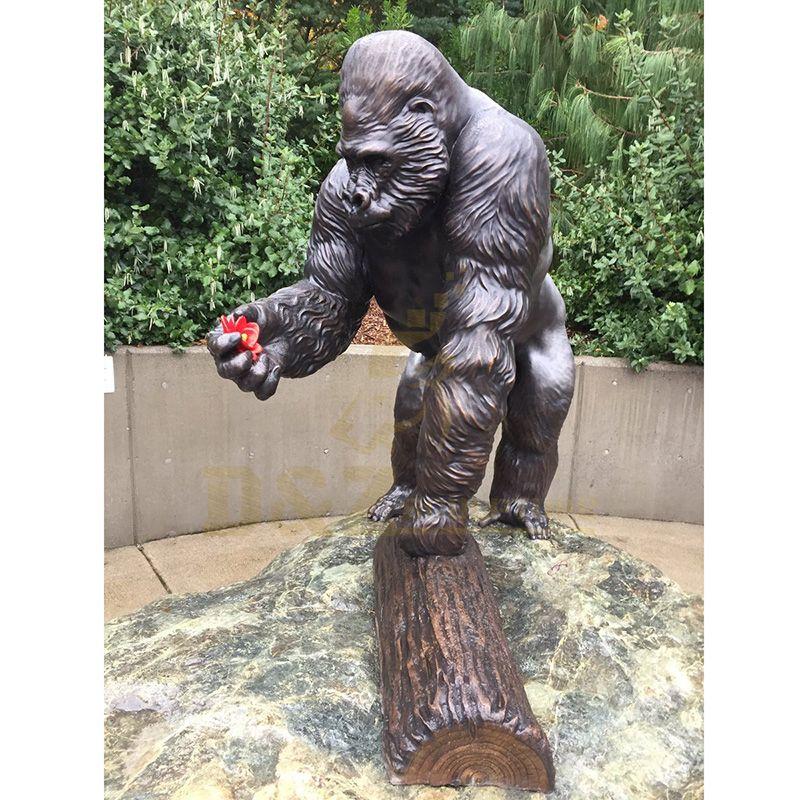 Metal Art Sculpture Life Size bronze Gorilla Statue