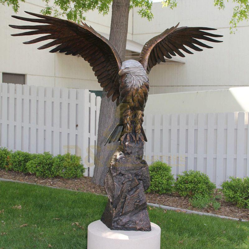 Life Size Custom Antique Cast Bronze Brass Eagle Sculpture For Garden