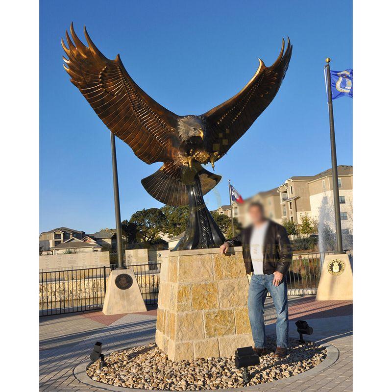 Outdoor Decorative Bronze Eagle Sculpture For Garden Decoration