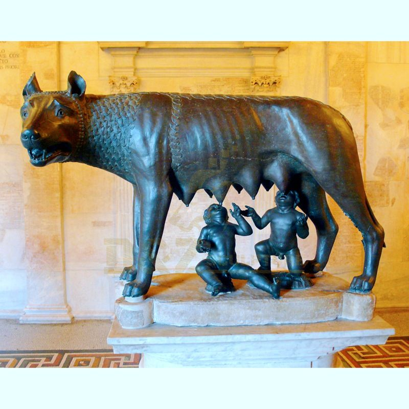 Metal Wildlife Statue Life Size Bronze Wolf Sculpture For Sale