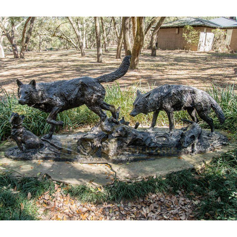 Garden or Theme Park Decoration Life Size Bronze Wolf Sculpture