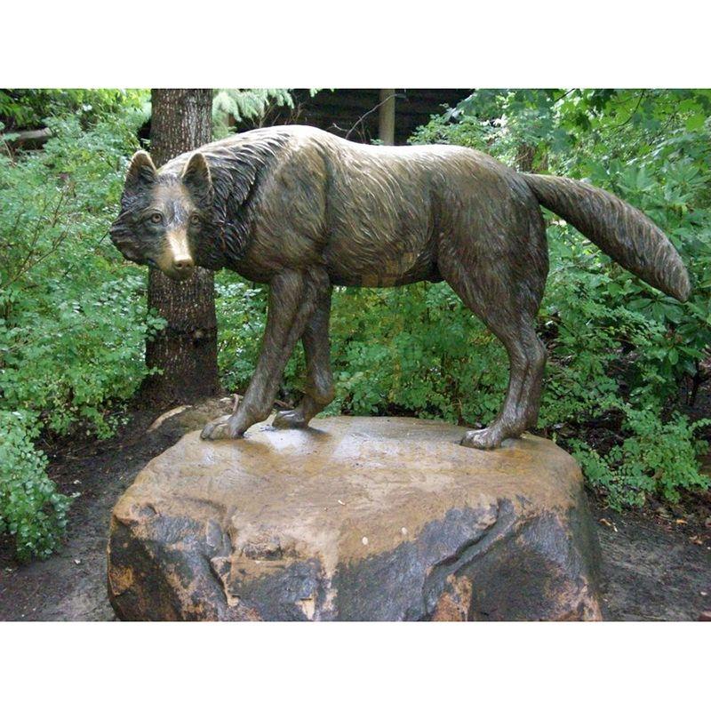Chinese Supplier Metal Bronze Wolf Sculpture