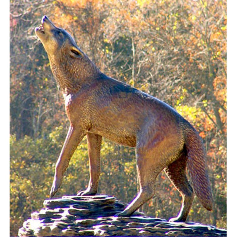Life Size Garden Bronze Wolf Sculpture For Sale