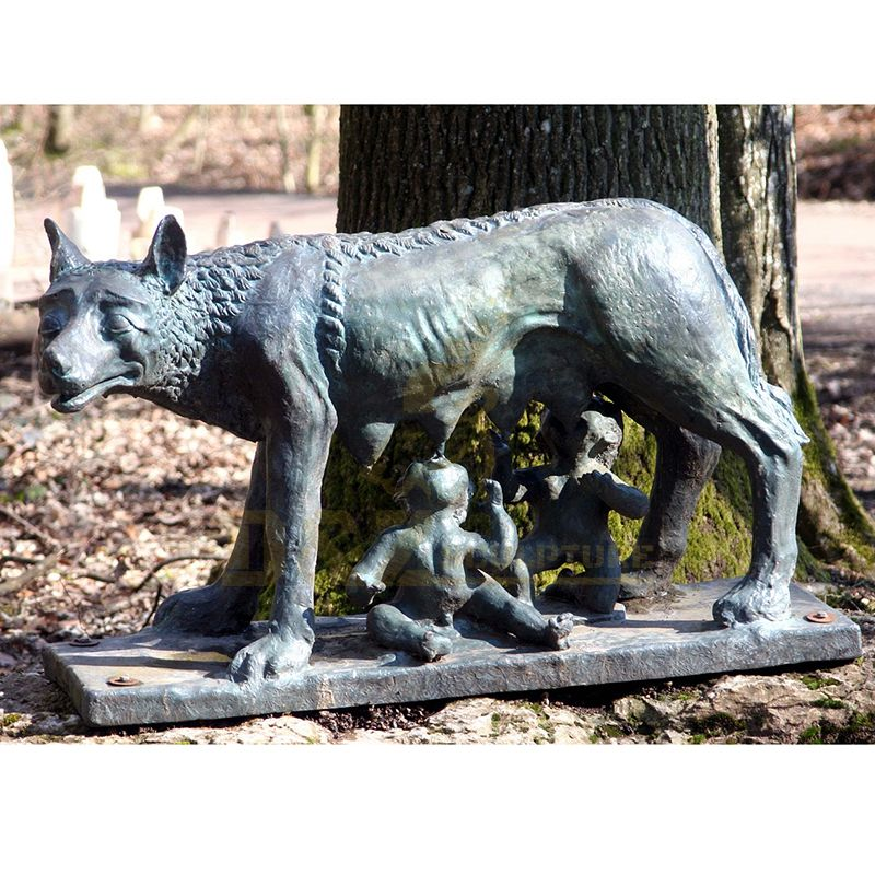 Modern High Quality Brass Animal Decorative Large Garden Wolf Sculpture