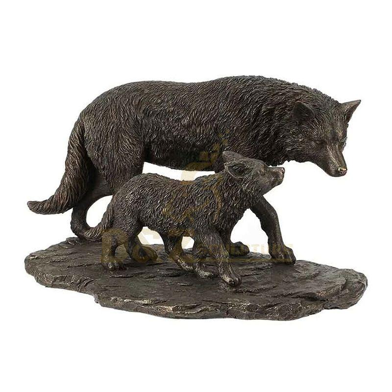 Garden Decor Life Size Metal Brass Wolf Sculpture Statue For Sale