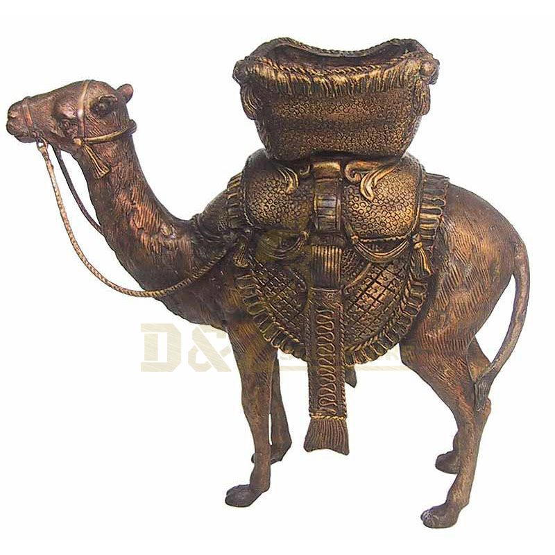 Hand Made Artificial Life Size Bronze Camel Sculpture For Park Decoration