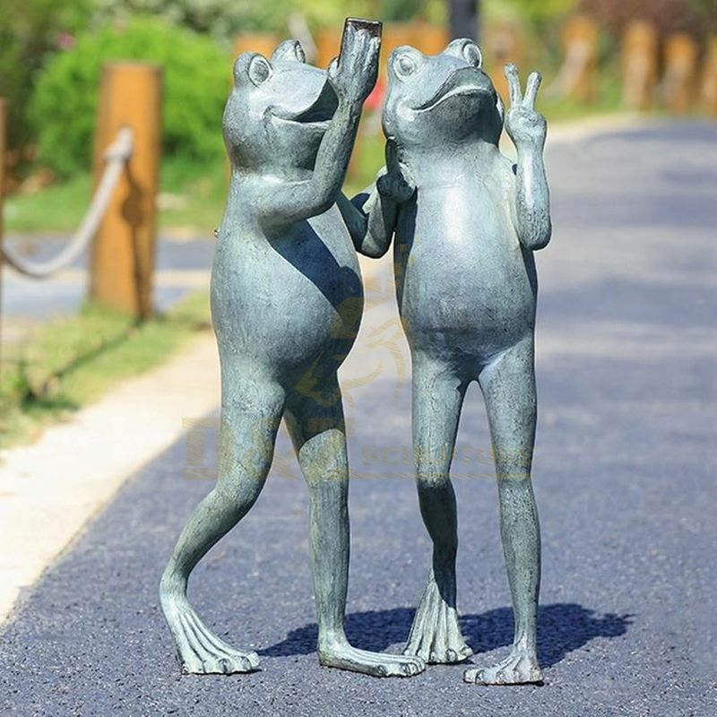 Animal Statue Life Size Cast Bronze Frog Sculpture For Sale