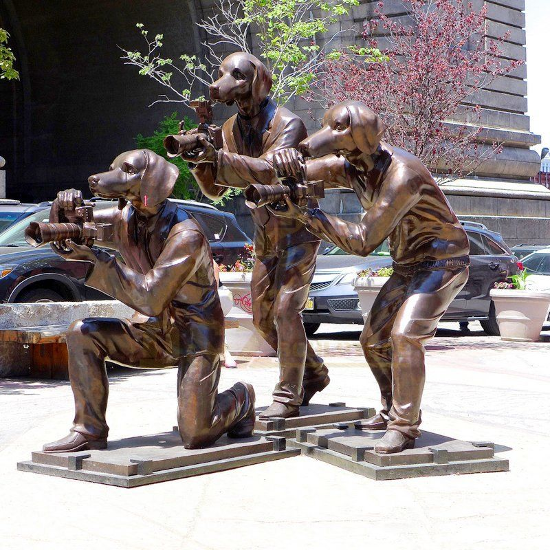 Metal Crafts Garden Ornaments Brass Dog Bronze Man Figure Statue