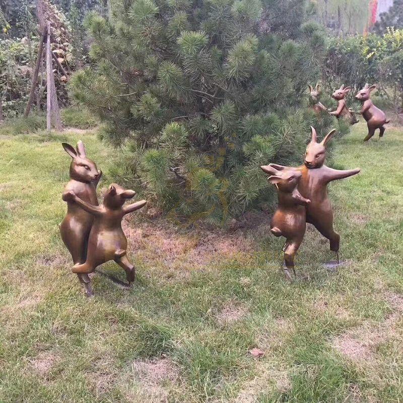 High Quality Abstract Handmade Art Crafts Bronze Dancing Rabbits Statue