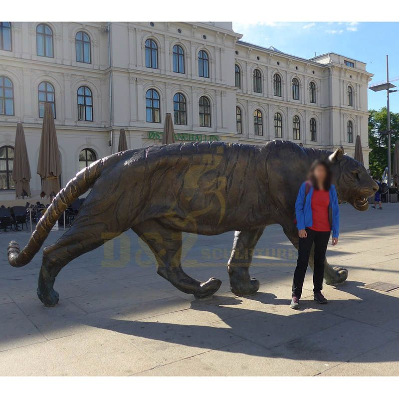 Outdoor Life Size Bronze Tiger Sculpture for Decoration