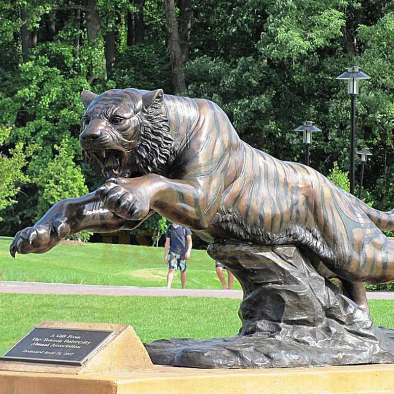 Bronze Life Size Tiger Statue Outdoor Garden Decoration