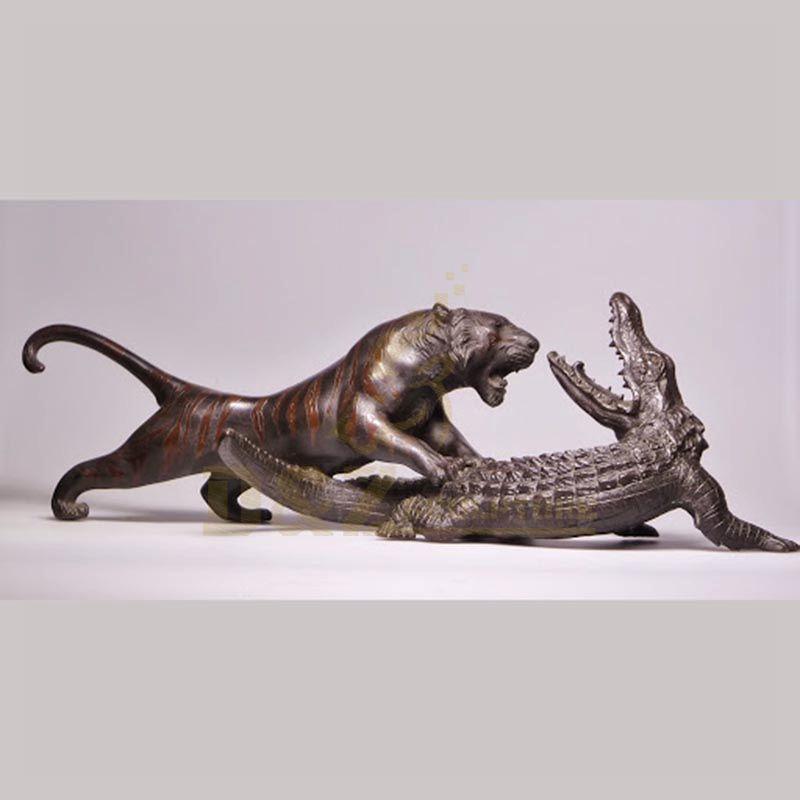 Custom made outdoor decoration bronze tiger animal statues
