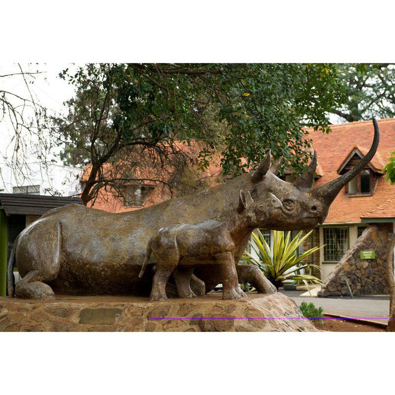 Bronze Decorative Rhinoceros Statues For Park Decoration