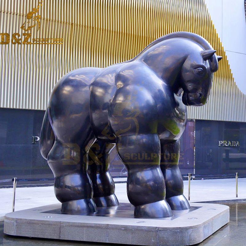 The famous design bronze botero horse sculpture for park decoration
