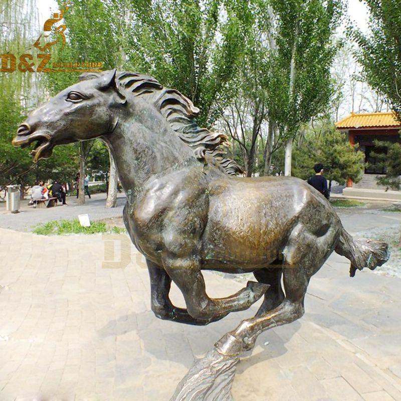 Outdoor life-size bronze running horse sculpture garden decoration