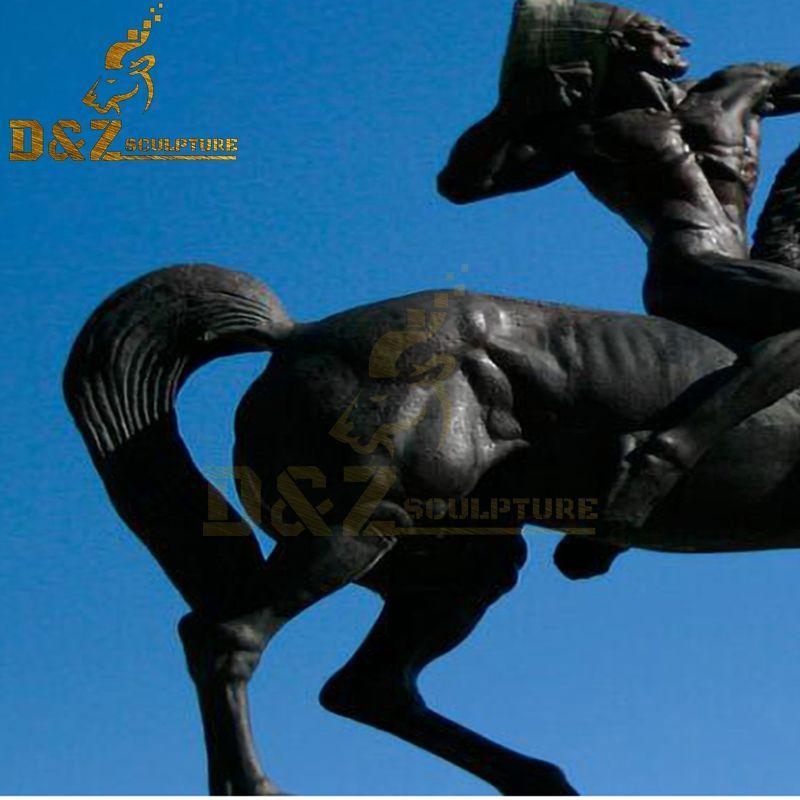 horse statue sculpture