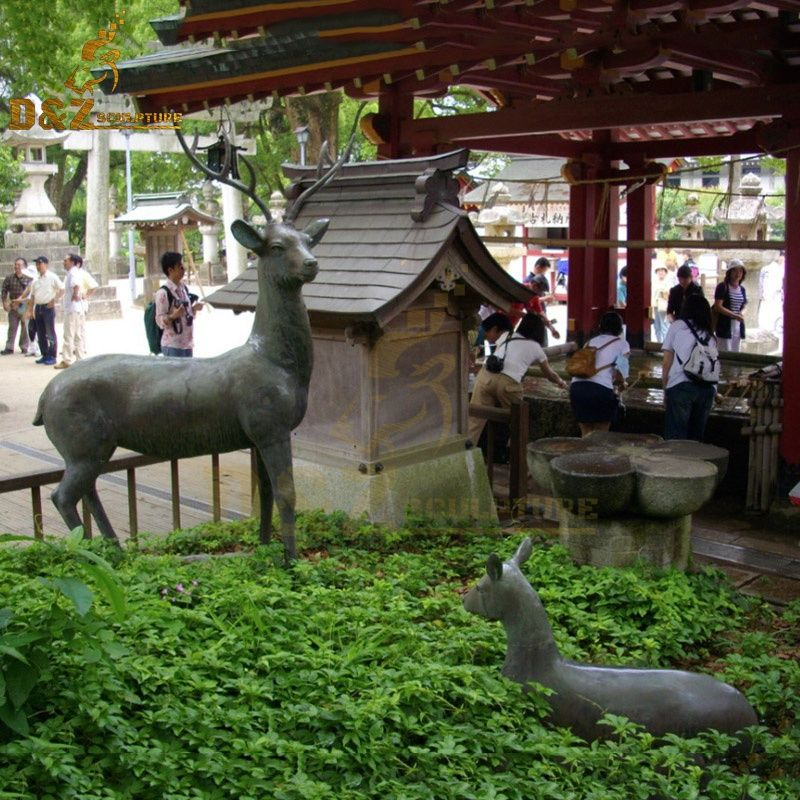 Hot sale outdoor garden decoration bronze deer and fawn sculpture