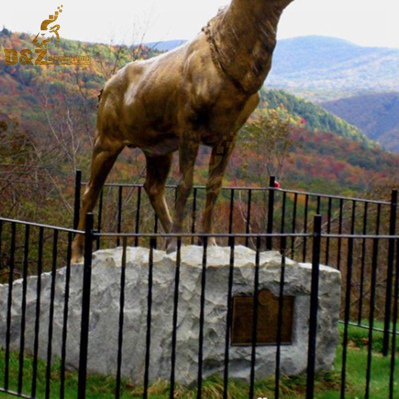 reindeer statue decor