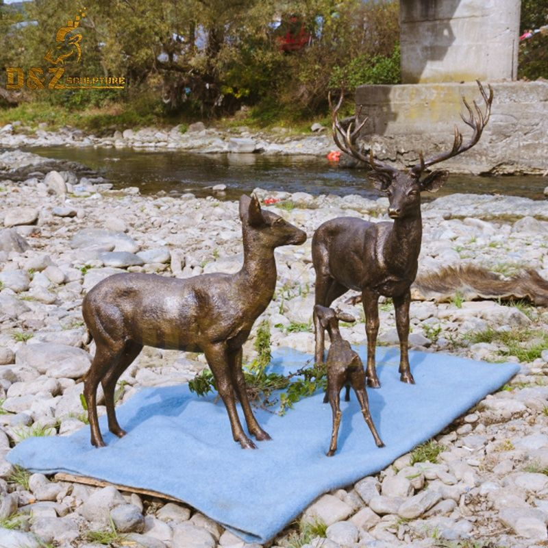 Exquisite bronze outdoor deer family garden sculpture for sale