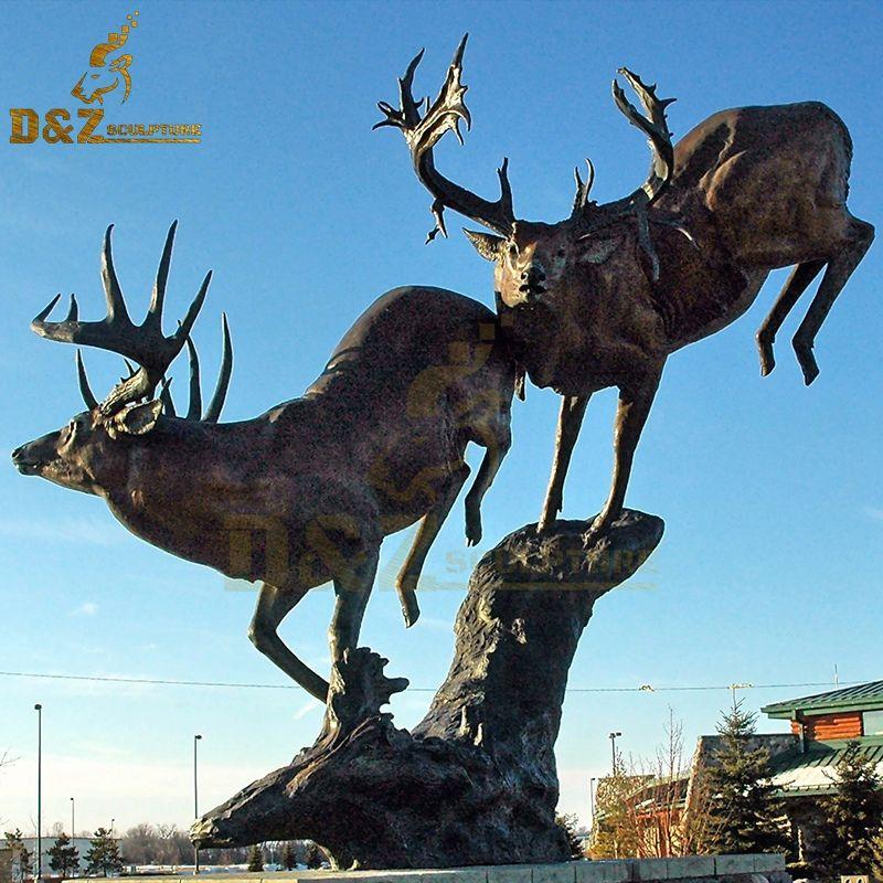 Hot selling metal animal running bronze reindeer statue outdoor garden decoration