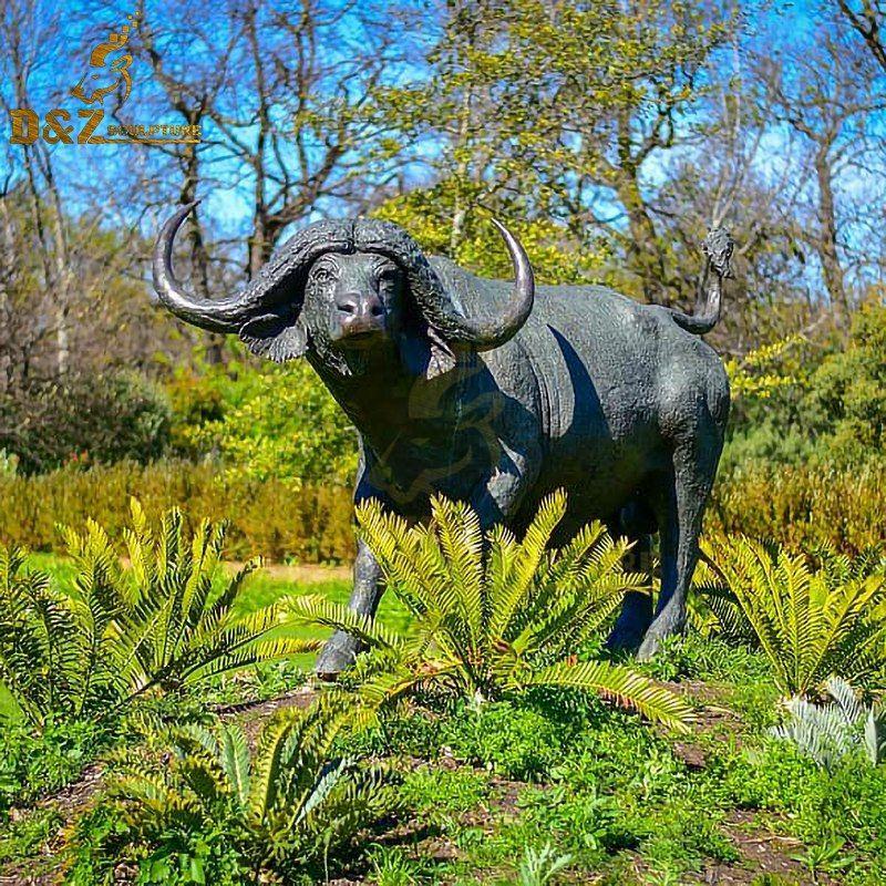 Metal animal outdoor design bronze life-size buffalo statue for sale