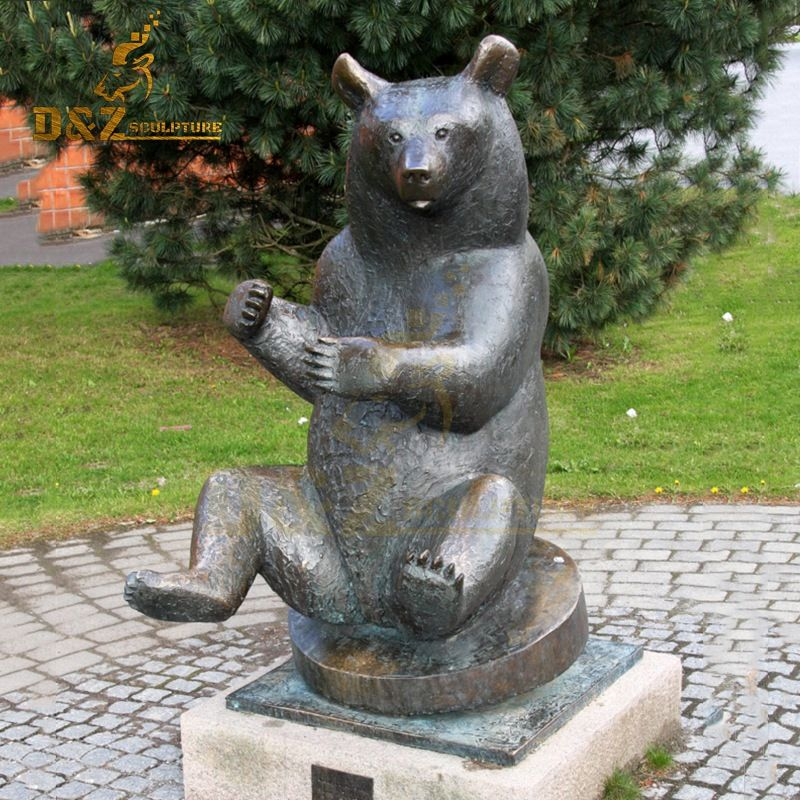 Western design garden decoration bronze sitting bear sculpture for sale
