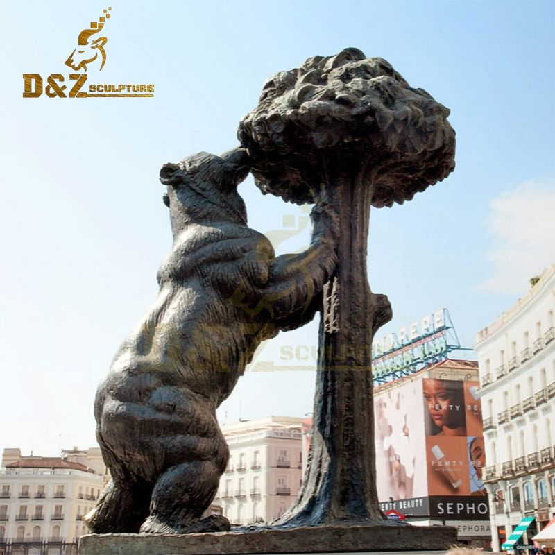 Famous customizable bronze bear and strawberry tree statue Madrid